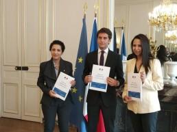 Photo de Sarah EL HAIRY, Naima MOUTCHOU et Gabriel ATTAL